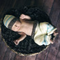 Newborn Pictures hat wood floor basket