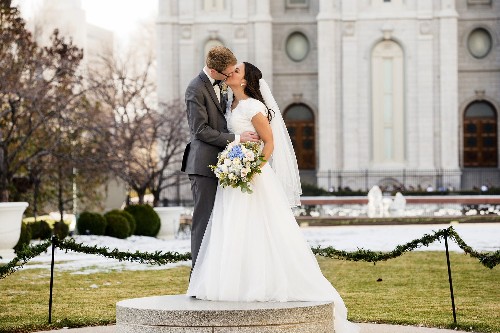 SLC Temple Pedestal Kiss