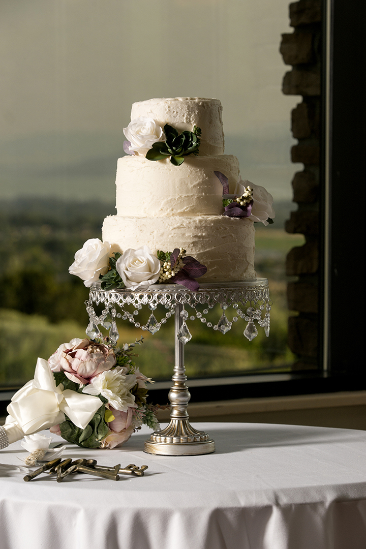 Timeless Wedding Cake