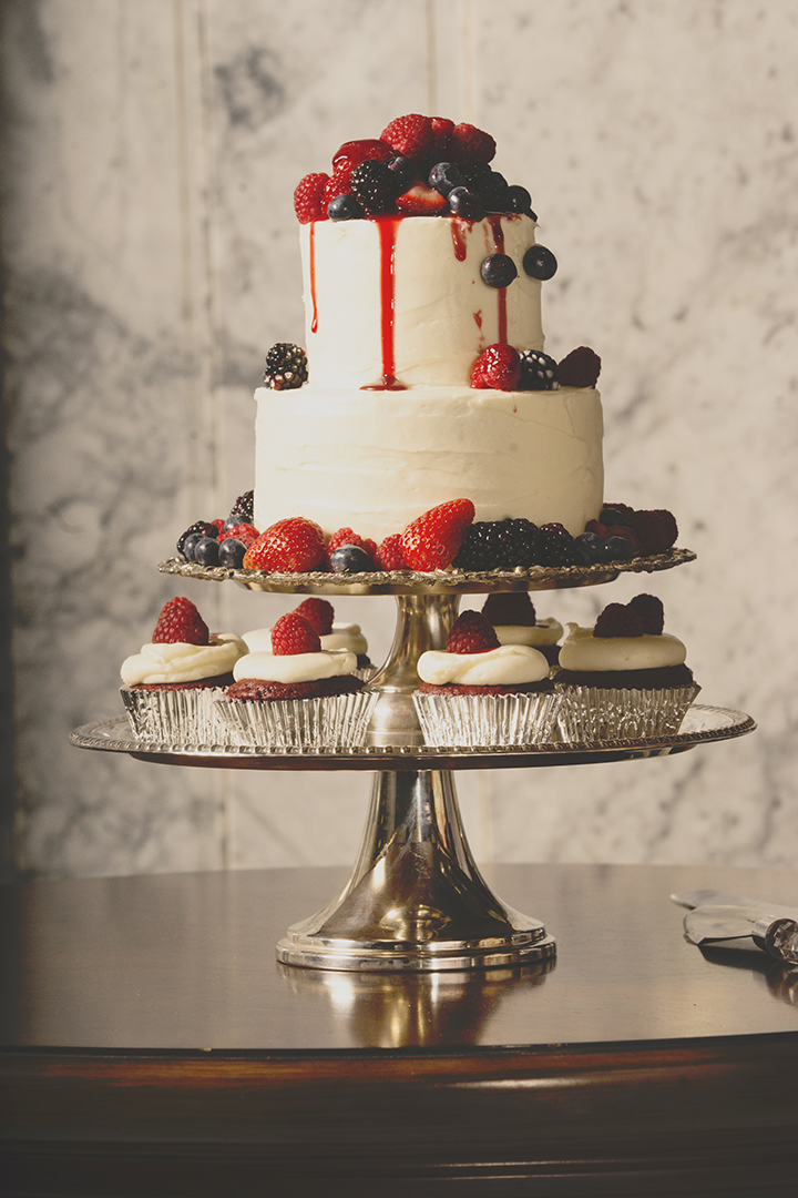Wedding Berries Cake and Cupcakes